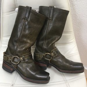 Frye Harness Rare Olive Green 12R Boots USA